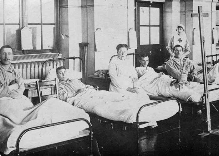 Pvt. Chesley Green (shown second from the left) recovering in England, circa 1918