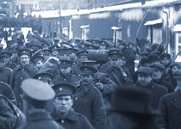 Members of the Newfoundland Regiment preparing to board ship in St. John's, N.L., circa 1916